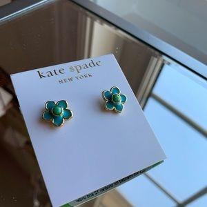 Kate Spade New York earrings 🌸